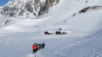 Randonnée en raquettes 2 jours en montagne avec nuit en refuge