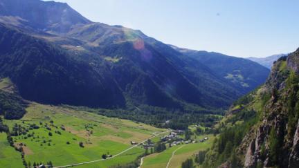 vallée de rosuel depuis la via ferrata des Beittières