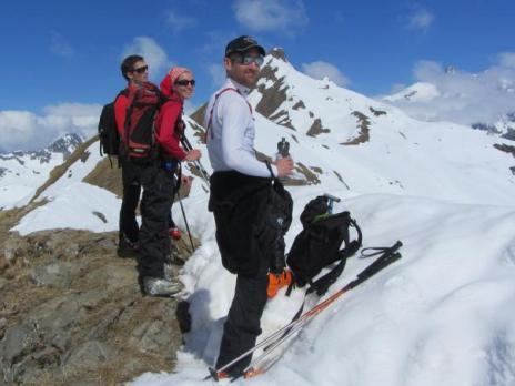 Ski de randonnée - le sommet de l'homme Cairn 2699m