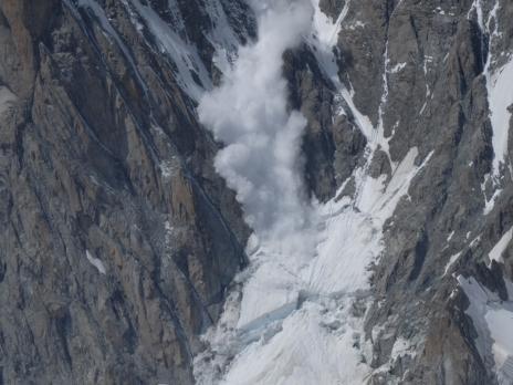 Chute de serac sur le Mont Blanc