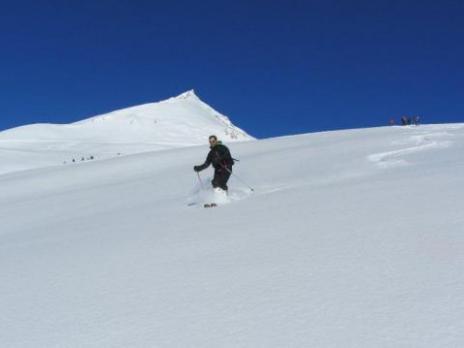 Ski hors piste neige poudreuse dans les vallon de la Chal Peisey - Savoie