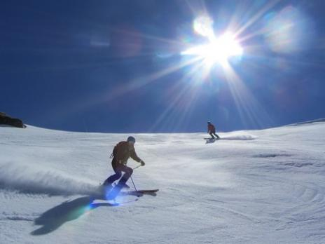 Hors piste en Vanoise  descente sur le vallon de la Chal