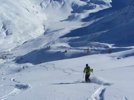 Hors piste à Sainte Foy descente du col du Granier