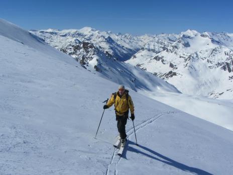 Montée à l'Ouille Noire au départ du glacier du Pisaillas