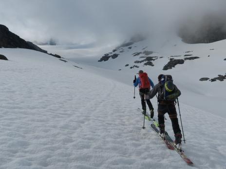 En montant vers le glacier