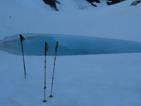 Petit lac au pied du glacier