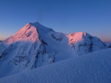Levé du soleil sur le Mont Pourri  massif de la Vanoise