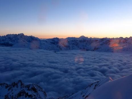Levé du soleil depuis l'Aiguille Rouge  massif de la Vanoise