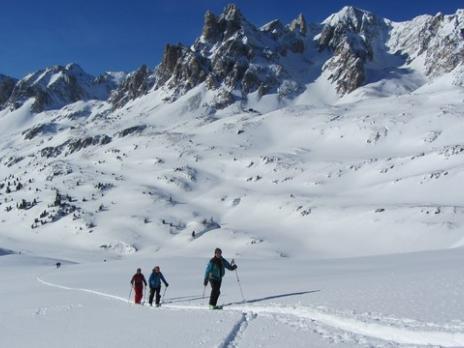 Ski de randonnée vallée de Névache, départ du refuge des Drayères