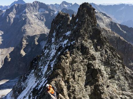 Très beau rocher à l'approche de la brèche Escarra.