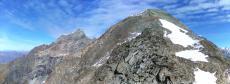 le sommet du dôme tout proche et le mont Pourri
