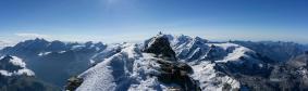 Sommet suisse depuis le puis le sommet italien